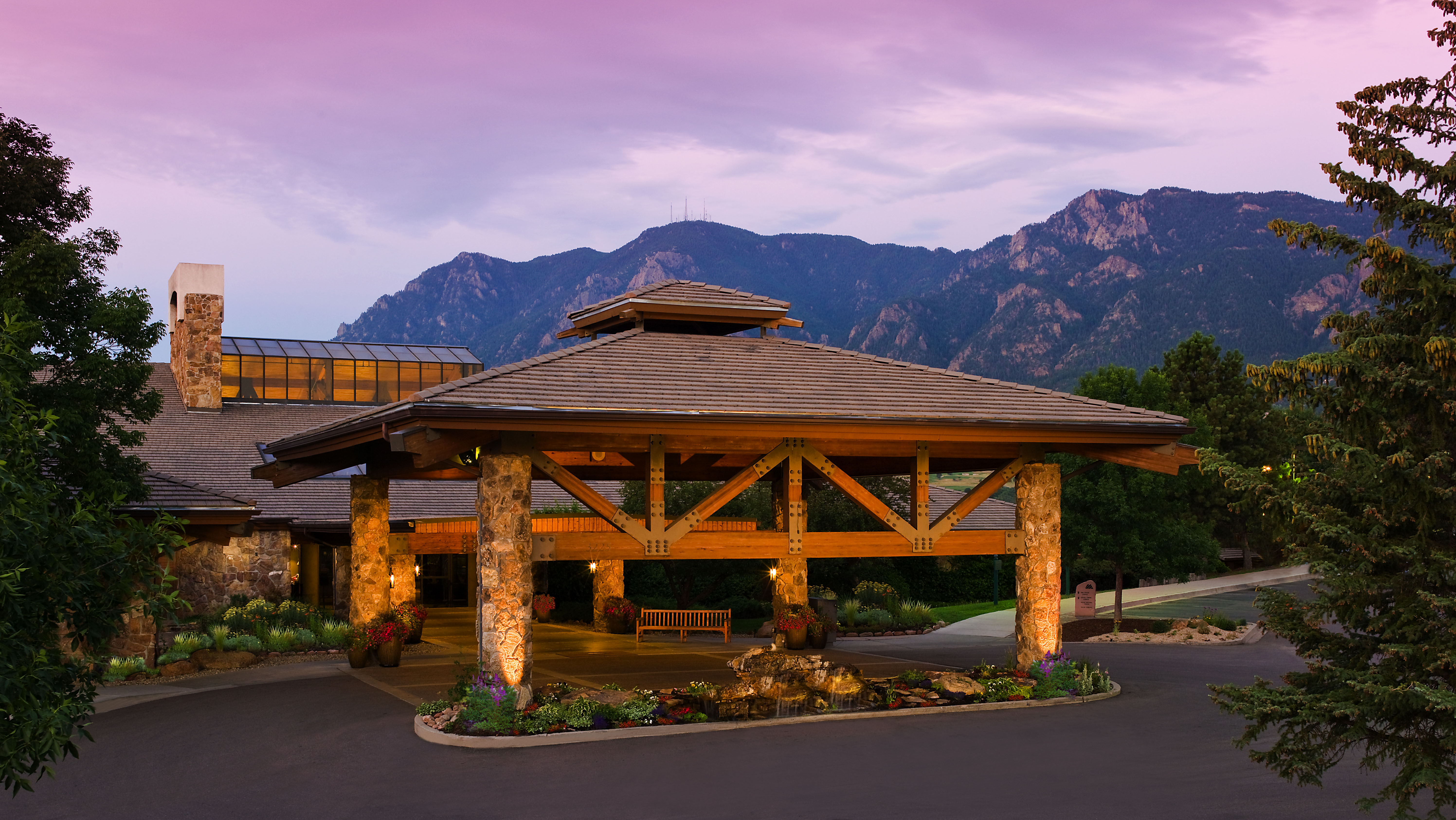 Venue rocky mountain young professionals summit rmyps for Rocky mountain house swimming pool schedule
